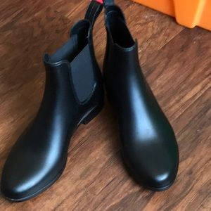 J Crew short black rain booties 7